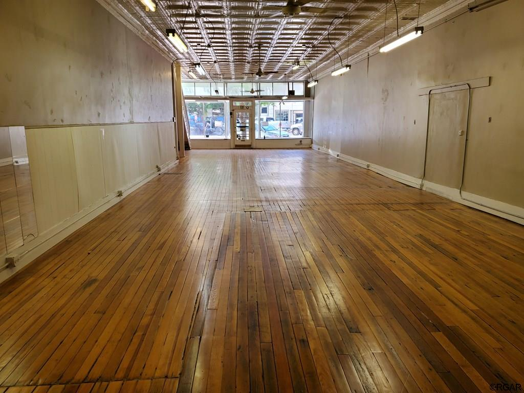 EXPANSIVE ROOM FOR YOUR BUSINESS
